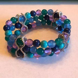 Jewelry - Pretty Beaded Bracelet 💜💚💙